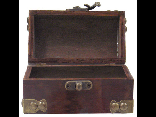 Small Plain Treasure Box with Lid and Clasp