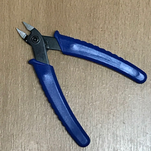 Die Snips to cut apart dies