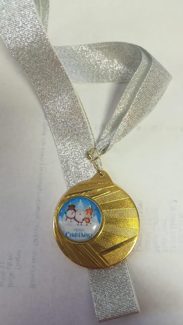 100 x Festive Snowman, Santa, Reindeer Merry Christmas Medals from 1stPlace4Trophies includes FREE RIBBON