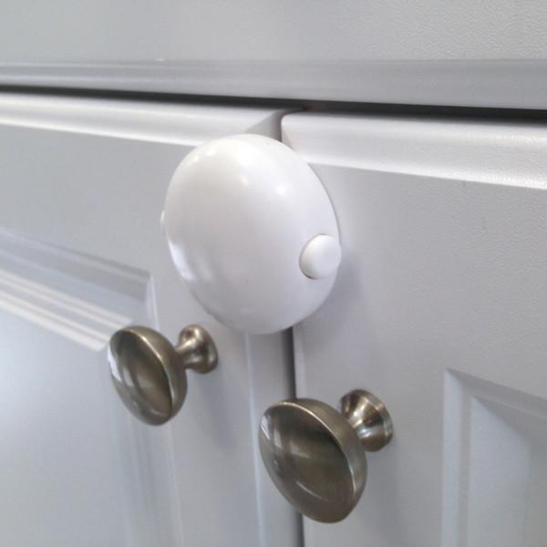 Adhesive Double Door Lock on cabinet doors